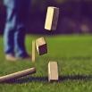 kubb onderdelen op gras