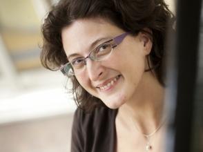Elske De Bodt, administratief medewerker van Stedelijk Basisschool Sportomundo