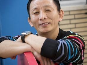 Tenzin Phuntsok, ouder van kindjes uit de Stedelijke Basisschool de Bijtjes