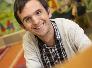 David Nowak, leerkracht van het 1e leerjaar van Stedelijke Basisschool Baronneke