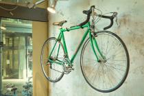 fiets hangt omhoog