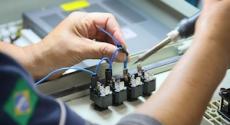 Industrieel elektrotechnisch installateur